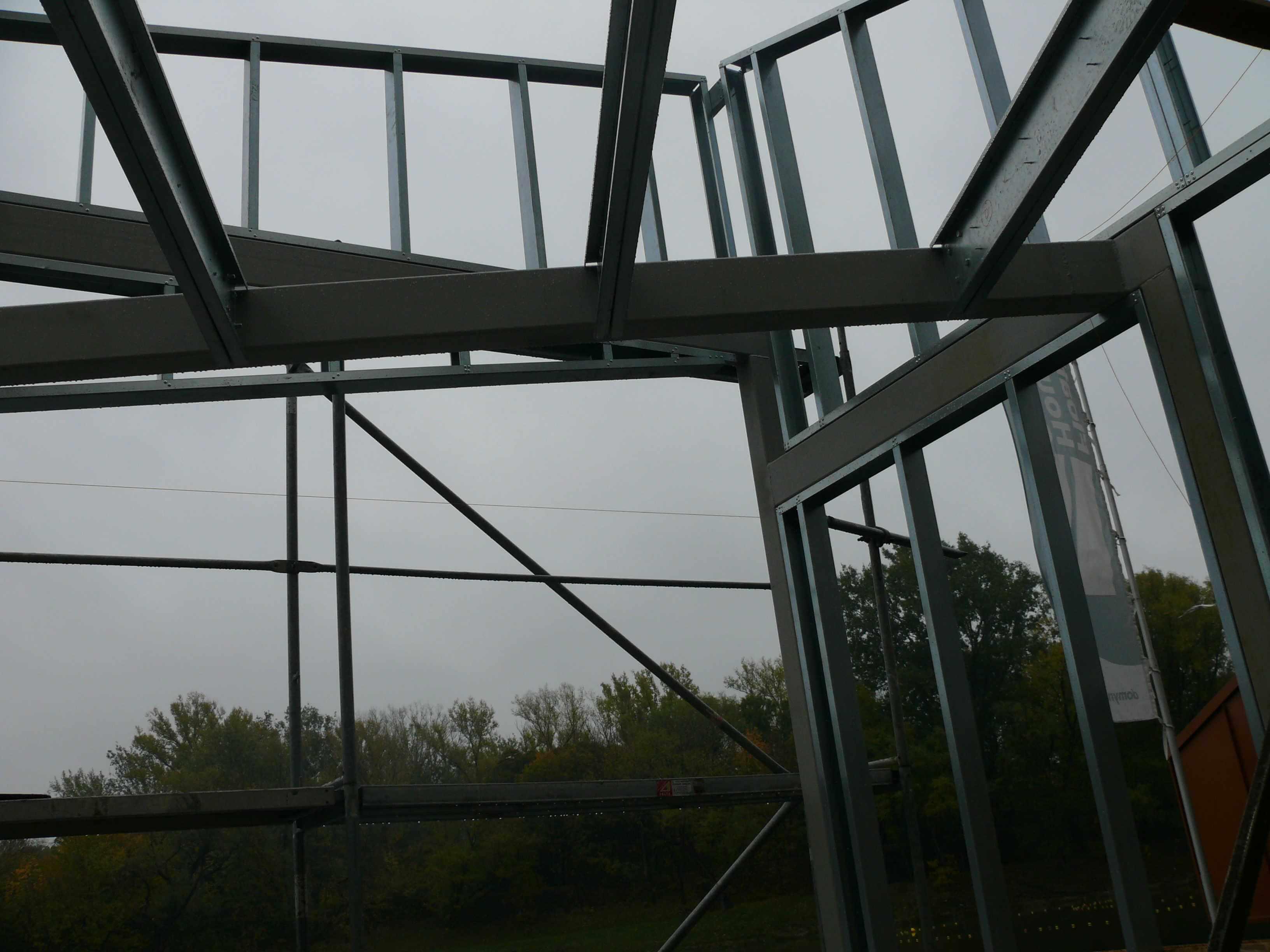 016 - Połączenie profili zimnogiętych i stali gorącowalcowanej 016