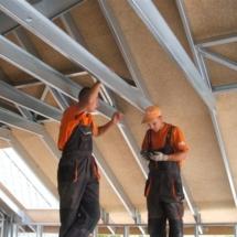 BONN 07 215x215 - Nadbudowa czy przebudowa budynków tradycyjną metodą budowlaną może stanowić zbyt duże obciążenie dla budynku, rozwiązaniem jest lekka konstrukcja stalowa zapewniająca spełnienie warunków wytrzymałościowych Nadbudowa
