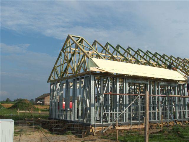 budowa 132 - Konstrukcja mieszana, więźba dachowa drewniana budowa-132